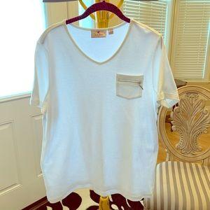 Zipper pocket T-shirt
